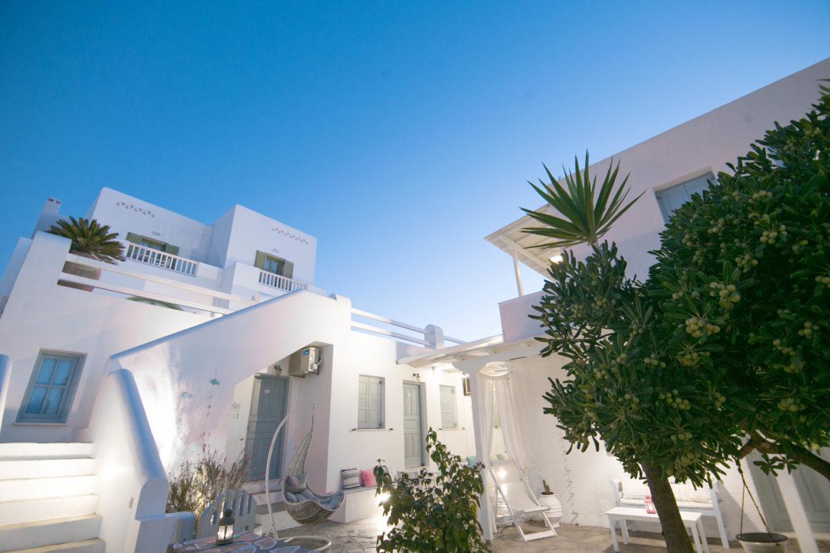 Ios Art Studios & Apartments